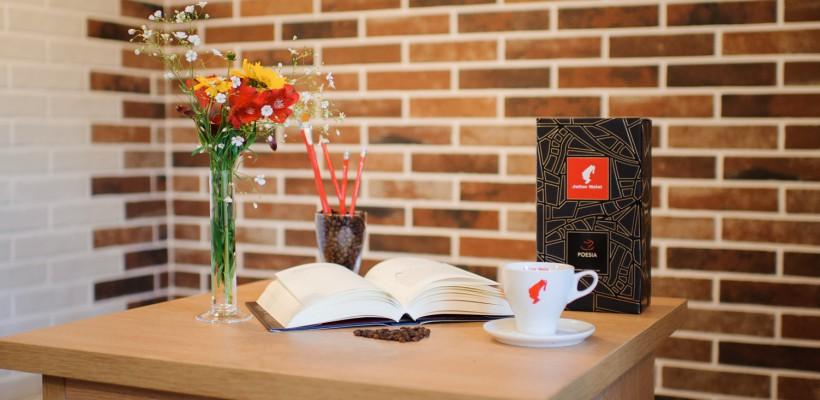 Pe 21 martie, la librăria Bestseller din Chișinău, plătești cafeaua cu o poezie