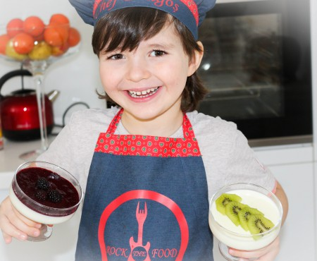 Nu știați care e secretul unei Panna Cotta aromată și super delicioasă? Chef Dragoș vă prezintă rețeta (VIDEO)