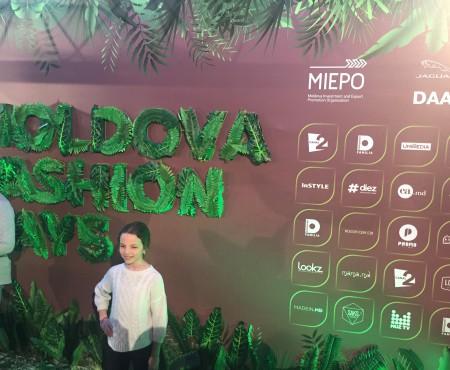 Primele imagini cu atmosfera de la Moldova Fashion Days, spring 2017, ziua II