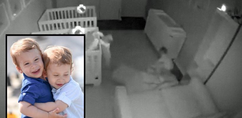 Când luminile se sting! Clipul cu șotiile a doi gemeni neastâmpărați, filmați noaptea, a devenit viral pe Facebook