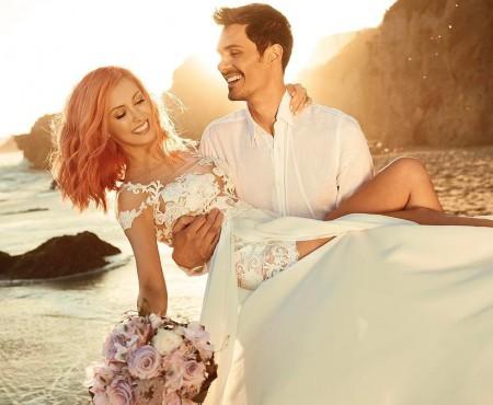 Nuntă la asfințit! Andreea Bălan și George Burcea și-au unit destinele pe o plajă din California