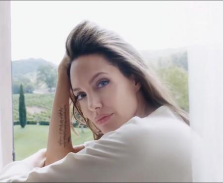 """Angelina Jolie: """"Nu mă tem să îmbătrânesc. Pentru mine contează nu cum arăt, ci cum mă simt!"""