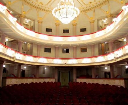 """Amor, glume, cântece și dansuri ne așteaptă în această săptămână la Teatrul """"Mihai Eminescu"""""""
