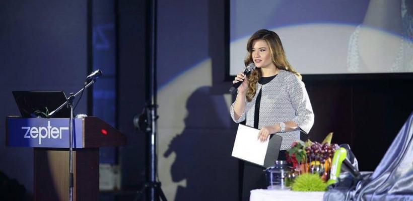 """I-a luat locul Danielei Burlac. Ea este noua coprezentatoare a emisiunii """"Veranda"""" de la Jurnal TV"""