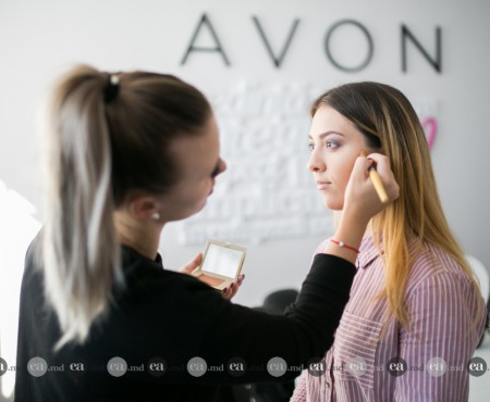 "Olga Manciu, Make-up artist oficial Avon: ""La Avon mă simt un beauty blogger"""