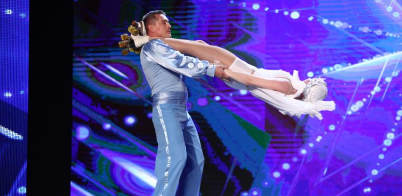 Un cuplu de gimnaști basarabeni, pe role, a uimit jurații de la Românii au Talent! (Video)