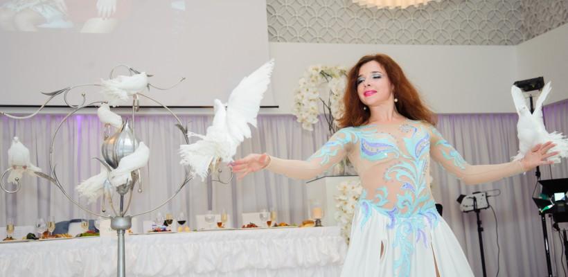 Face show la petreceri corporate, nunți și zile de naștere ca să ajute financiar un teatru din Chișinău