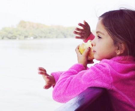 Nu-i forțați și nu-i lăsați să consume multe dulciuri! Ce trebuie să știți despre copiii născuți în Zodia Taurului