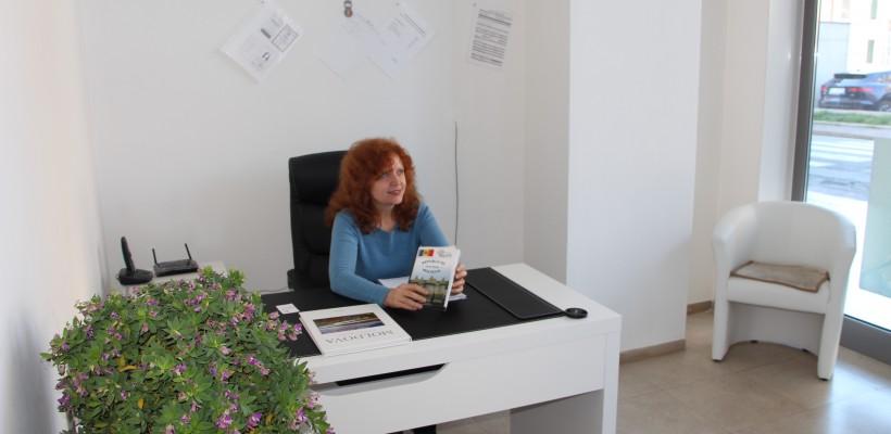 Dina Ciocanu îi aduce pe italieni în Republica Moldova la stomatolog. Iată cum face asta și ce a povestit în cartea pe care a scris-o