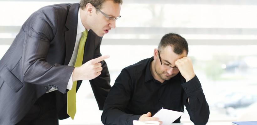 Ce faci când șefii te terorizează psihologic la locul de muncă