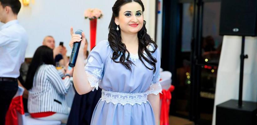 Corina Țepeș lansează o horă iute pentru cei cu inimă veșnic tânără (Video)