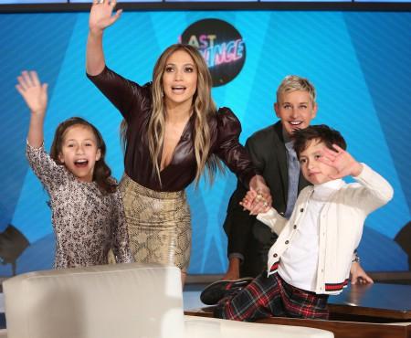 Jennifer Lopez și-a luat gemenii în premieră la TV și a vorbit despre actuala relație (VIDEO)