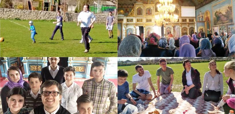 Fotbal alături de copii și liturghii proiectate pe ecran! Ce zic tinerii despre Maxim Melinti – preotul revoluționar de la Ghidighici