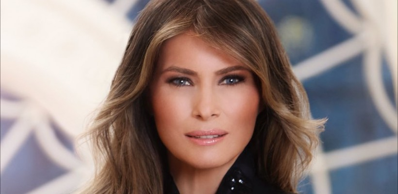 """Primul portret oficial al Melaniei Trump, criticat pentru """"lipsă de modestie"""" (FOTO)"""