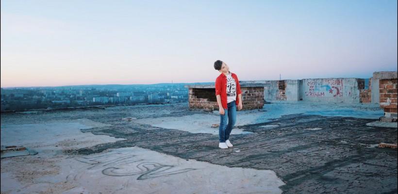 Sia ar fi mândră să-l aibă în trupa sa! Admiră cel mai nou clip by Mihai Ungureanu (VIDEO)