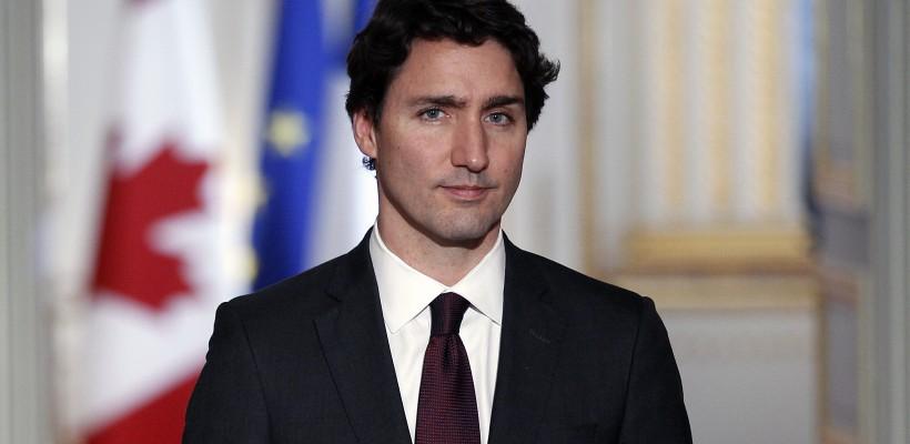 Premierul Canadei, în pijama și cu pensula în mână, pe Instagram