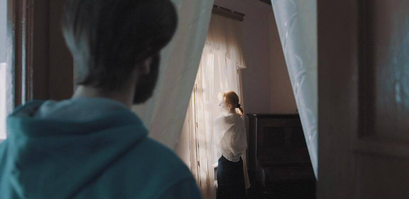 O piesă cutremurătoare, dedicată părinților, în Săptămâna Patimilor. Cine o interpretează? (Video)