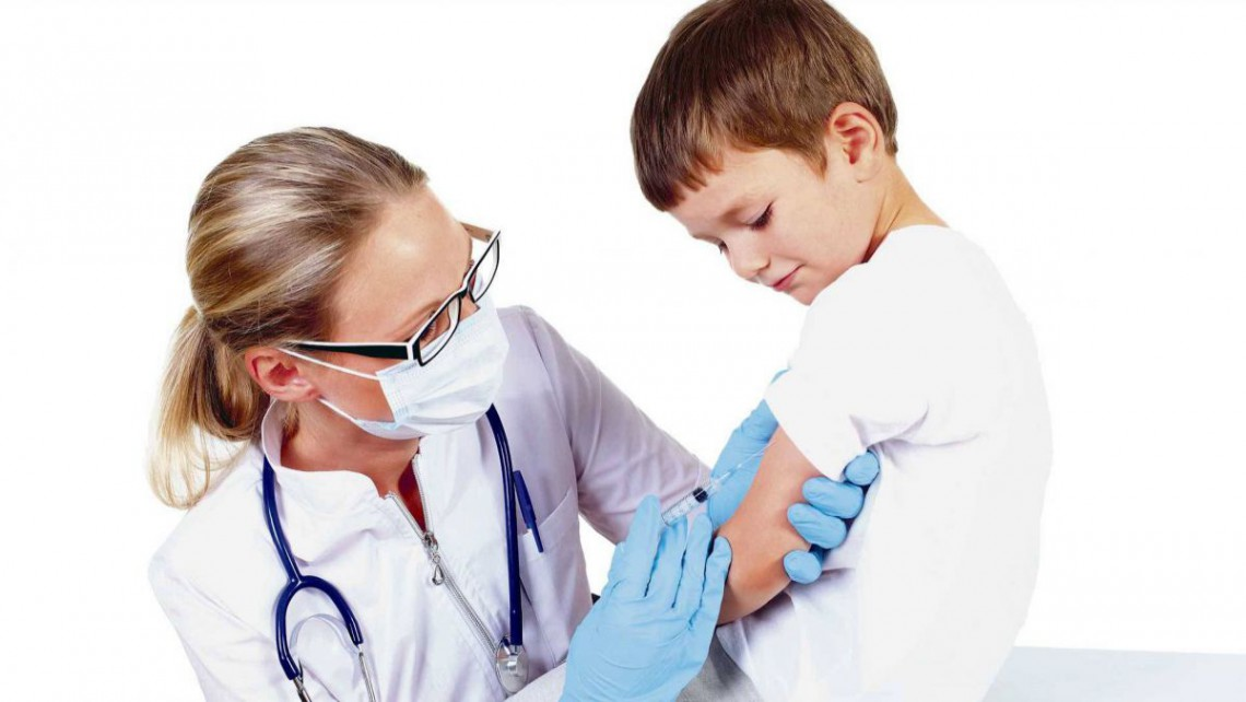 Vaccinul obligatoriu pentru copiii de vârsta 6-7 ani lipsește din policlinici