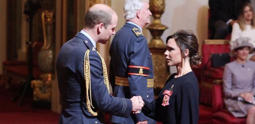Victoria Beckham a fost decorată de Prințul William cu Ordinul Imperiului Britanic (FOTO)