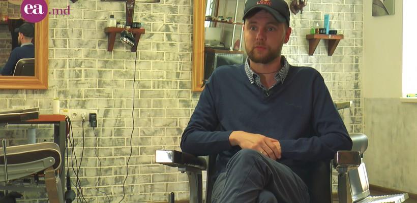 Constantin Lisnic a deschis primul barbershop din Moldova când toți îi spuneau că va da faliment și ideea lui nu o să meargă