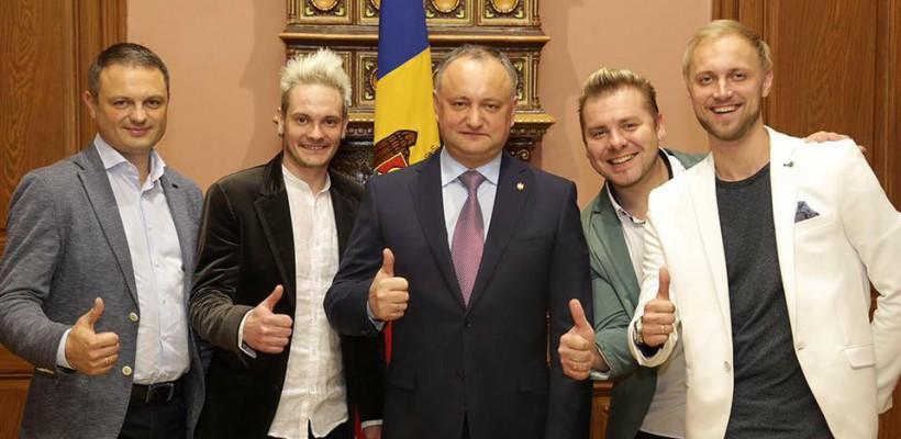 Președintele țării, Igor Dodon, așteaptă formația SunStroke Project cu înalte distincții de stat