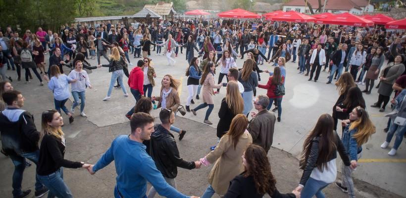 Peste 3000 de oameni s-au distrat ieri la primul picnic al primăverii, Mai Day!