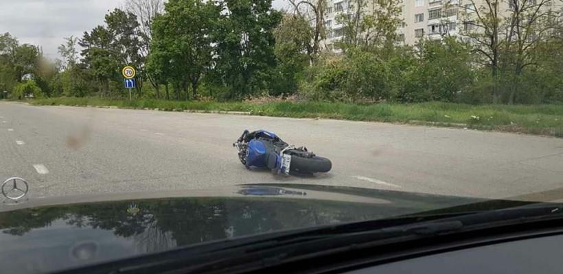 Se caută un motociclist care a lovit în plin o fată pe bulevardul Dacia și a fugit de la locul accidentului (Video)