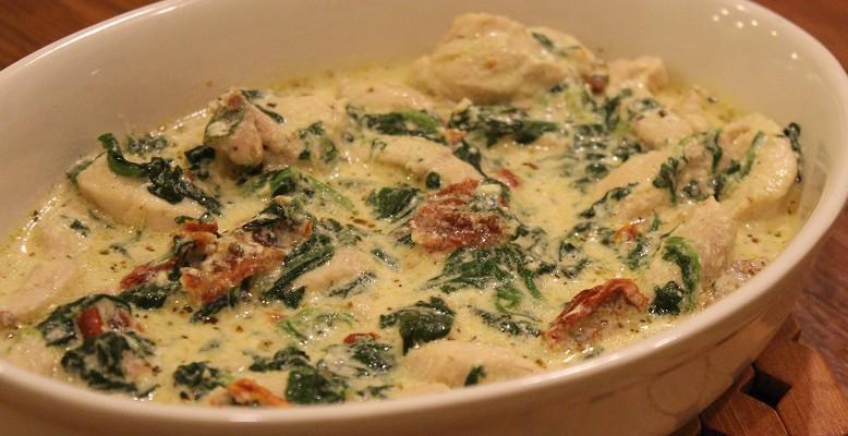 Cina perfectă: pui toscan în sos cremos. Se prepară în doar 30 de minute