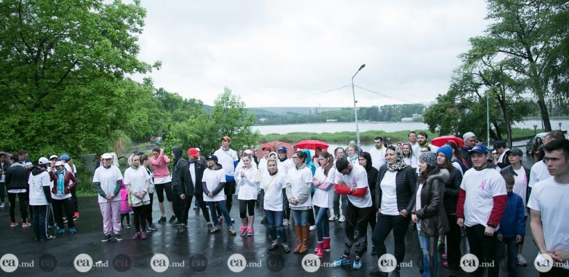 """""""Run Pink Moldova"""" a învins ploaia! Au alergat și au donat cosița… iată ce urmează în proiect (Foto)"""