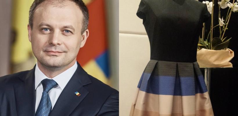 Andrian Candu a cumpărat o rochie de 400 de euro la un bal de caritate. Cum arată creația vestimentară