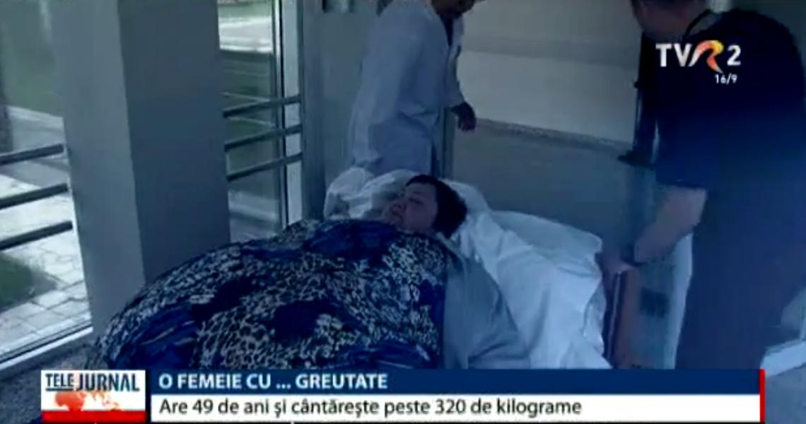 O femeie din Moldova, care cântărește peste 320 kg, a ajuns la terapie intensivă. Nu mai poate respira