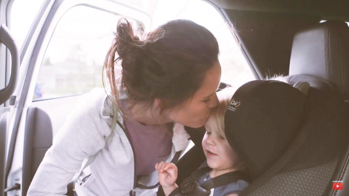 Pentru voi e o simplă zi, pentru copii – e ceva magic! Un clip care va topi inimile mămicilor (VIDEO)