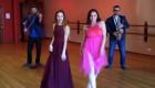 O concurentă din semifinala 2 a Eurovisionului, cerută de mireasă în emisie directă! Așteaptă primul copil
