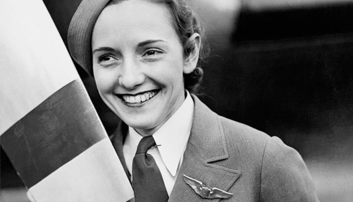 Job-ul de stewardesă a împlinit 87 de ani! Cine a fost prima însoțitoare de bord din istorie (FOTO)