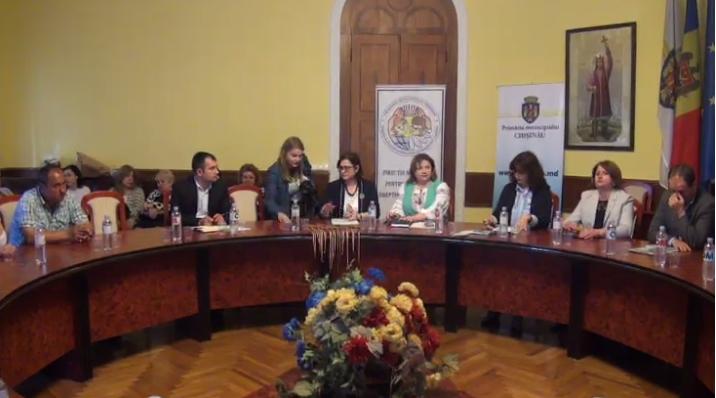 Cei mai buni absolvenți de liceu din Chișinău, rămași fără ocrotire părintească, au fost premiați