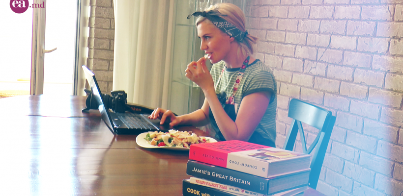 Gurmanzii nu rămân reci la postările ei de pe Instagram. Food bloggerița Liuba Florica ne-a lăsat în bucătăria și mini studioul ei foto
