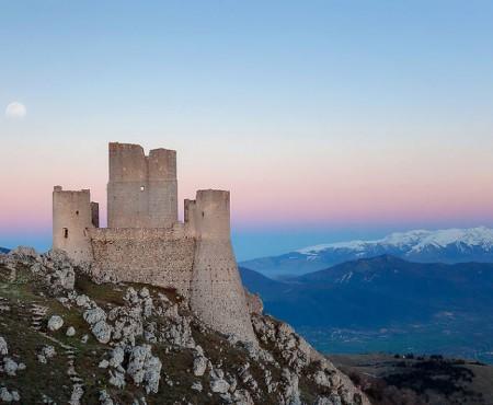 Guvernul italian dăruiește castele. Oricine poate deveni proprietar, cu o condiție!