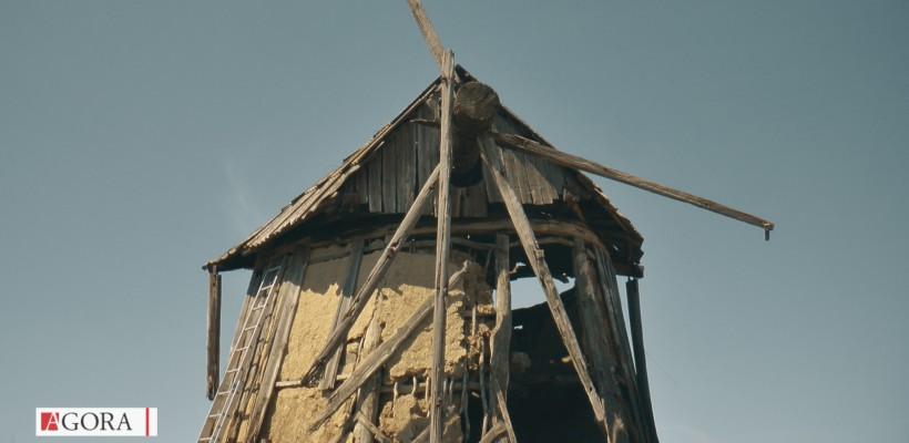"""""""Este unică în lume"""". Moara de vânt din Cernoleuca degradează din cauza indiferenței și iresponsabilității (Video)"""