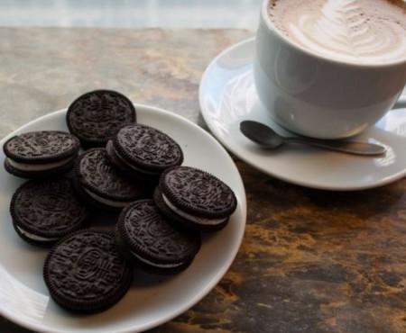 Ești înnebunit după delicioșii biscuiți oreo? Prepară-i chiar la tine acasă