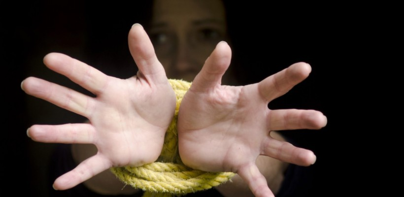 O femeie însărcinată a fost salvată de la trafic de ființe umane. Urma să ajungă în sclavie sexuală în Italia