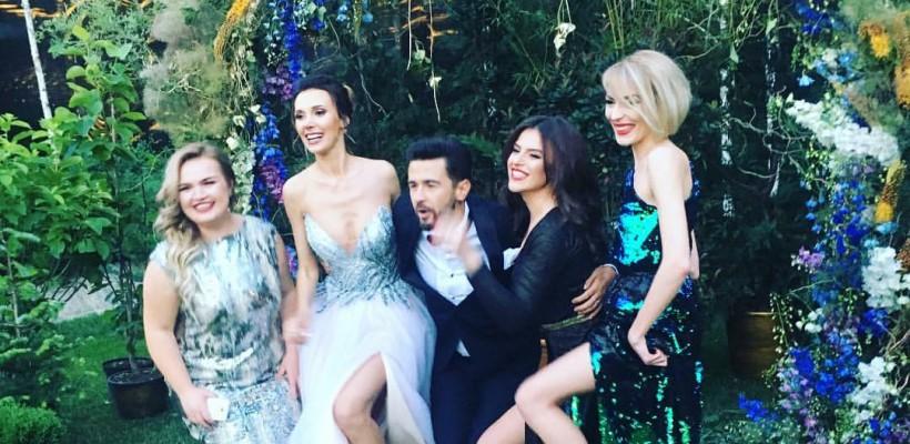 Ce ținute au ales să poarte invitații de la nunta Iulianei Scutaru și a lui Pasha Parfeni (Foto)