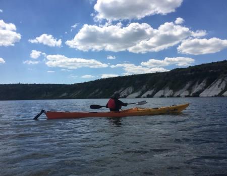 Îți dorești un spate tonifiat și brațe bine conturate? Fă kayaking! Îți recomandăm traseul satul Oxentea – Centrala Hidroelectrică Dubăsari