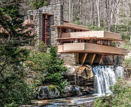 Cea mai frumoasă casă din lume. Are priveliște spre cascadă și este din Pennsylvania (Foto)