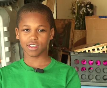 """Are doar 10 ani și a inventat un gadget care va salva viețile copiilor """"uitați"""" în mașini de părinți"""