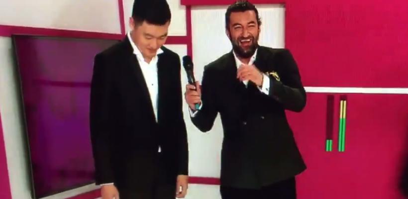 """Smiley a râs în hohote ieri, în finala concursului """"Românii au talent"""". Vezi ce l-a amuzat atât de tare, garantăm că vei râde!"""