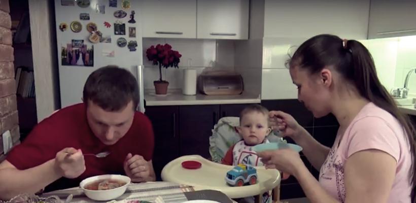 """""""Bărbatul trebuie să aducă banii în casă, femeia se ocupă de gospodărie"""", cred mulți moldoveni. Stereotipurile de gen dăunează"""