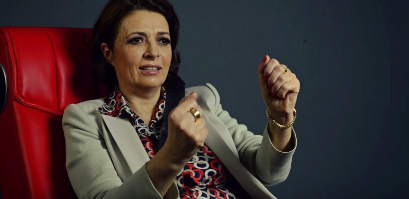 O milionară din Iași crește 30 de copii sărmani și de pe străzi. Investește în ei și îi face premianți