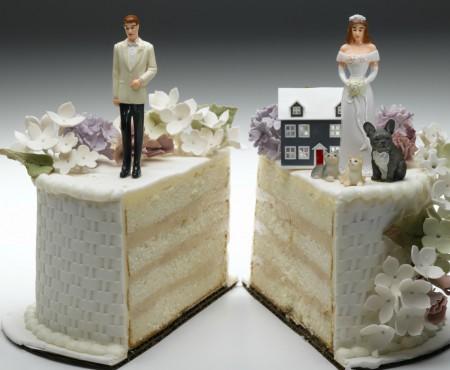 Știați că bunurile obținute până la căsătorie de unul dintre soți pot fi împărțite în jumătate în caz de divorț? Vedeți în ce condiții