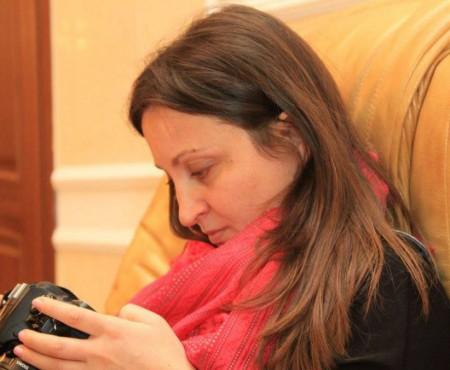Cei care au bătut-o pe fotoreportera Jurnal de Chișinău riscă până la 5 ani de pușcărie