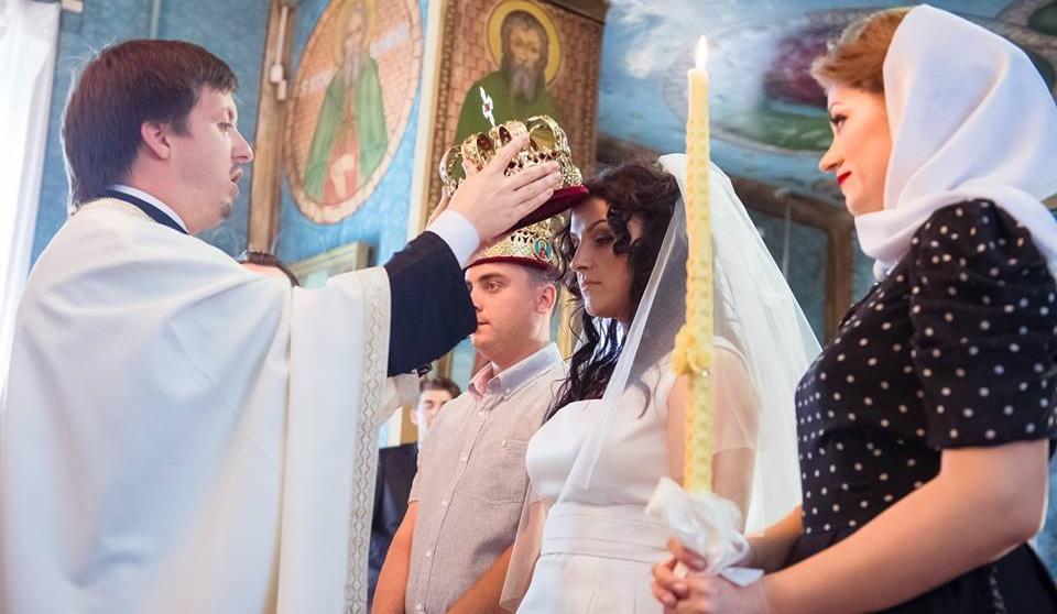 10 recomandări pentru tinerii care aleg să se căsătorească, de la părintele Maxim Melinti